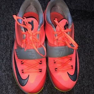 """Nike KD vii """"35,000 Degrees"""" Size 5.5y"""